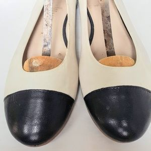 Cole Haan Off White and Midnight Navy flats size8